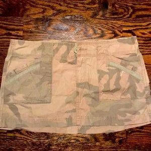 Hollister camouflage mini skirt worn twice